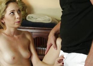 Angel Smalls pussy pounded by the horny masseuse