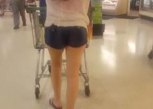 Candid Publix shopper crippling booty shorts