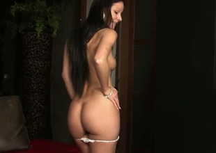 Melisa Mendiny wide bald pussy gets nude for your viewing wonder in solo scene