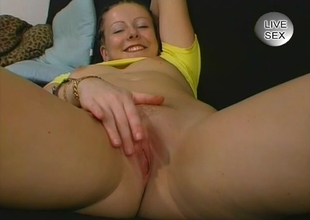 Teen babe getting fingered - Julia Reaves