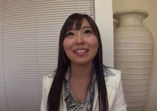 Beautiful girl non-native Japan sucks the cock with encompassing of her appetence