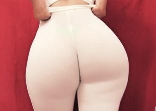 Elephantine Ass Teen! Best Ass on Internet! Tight Leggings! Camelto