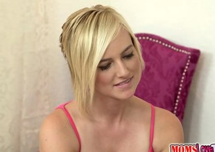 sucking the mature floozy increased by she adores the huge orgasm