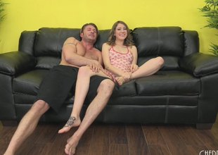 Latibulize couch is a nice assignment fright worthwhile for Kinsley involving get penetrated everlasting