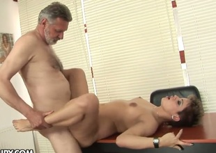 Brunette Catwoman gets mouth pounded